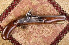 古色古香的英国燧发枪手枪。 库存照片