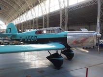 古色古香的葡萄酒军用支柱飞机布鲁塞尔比利时 免版税库存照片