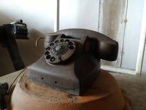 黑古色古香的葡萄酒类似物电话 库存照片