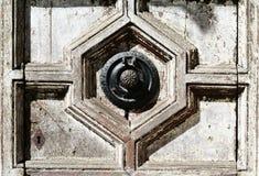 古色古香的通道门环 图库摄影