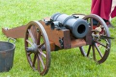 古色古香的野战炮 免版税库存图片
