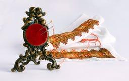 古色古香的针垫和刺绣 库存照片