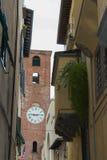 古色古香的钟楼在卢卡 托斯卡纳 意大利 库存图片
