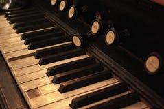 古色古香的钢琴 免版税库存图片