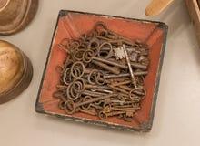 古色古香的钥匙的选择 库存图片