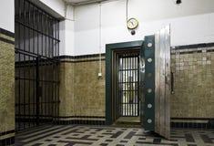 古色古香的银行地下室 库存照片