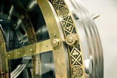 古色古香的银行门 免版税图库摄影