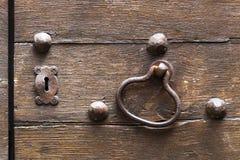 古色古香的门在托斯卡纳,意大利 免版税库存图片