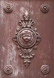 古色古香的门装饰品 免版税库存照片