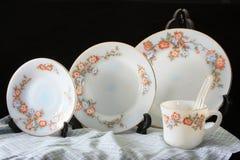 古色古香的陶器集合,套碗筷 库存照片