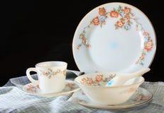 古色古香的陶器集合,套碗筷 库存图片
