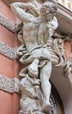 古色古香的雕塑Atlant 免版税库存照片