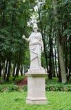 古色古香的雕象在公园在Gatchina 库存照片