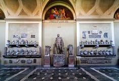 古色古香的雕象在梵蒂冈博物馆 库存照片