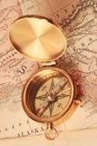 古色古香的黄铜指南针 库存图片