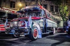 古色古香的经典都市公共汽车 免版税图库摄影