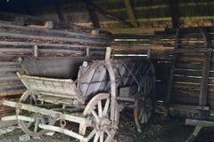 古色古香的购物车 免版税图库摄影