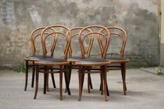 古色古香的Bentwood维也纳椅子 免版税库存图片