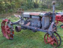 古色古香的Farmall拖拉机 库存图片