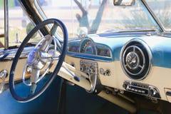 古色古香的Pontiaci nterior 免版税库存照片