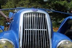 古色古香的racecar前面 免版税库存图片