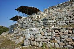 古色古香的Thracian圣所Tatul,保加利亚废墟  免版税库存图片