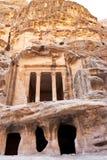 古色古香矮小的个nabatean petra寺庙 免版税库存图片