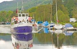 古苏格兰运河奈斯湖航行 免版税图库摄影