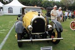 古董和罕见的美国汽车前面 免版税库存图片
