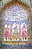 古董在设拉子铺磁砖了清真寺墙壁 图库摄影