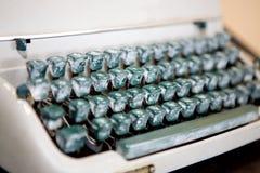 古董锁上打字机 免版税库存图片