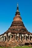 古迹在Sukhothai期间,泰国。(垂直的图象) 免版税库存图片
