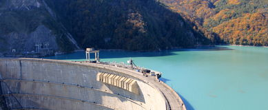 古里水坝在乔治亚 免版税库存图片