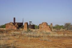 古金色矿废墟 库存图片