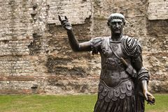 古铜色伦敦罗马雕象 库存图片