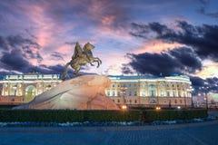 古铜色御马者铜御马者彼得大帝雕象在圣彼得堡 免版税库存照片