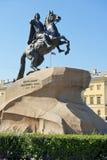 古铜色御马者,彼得大帝骑马雕象在圣彼得堡 库存图片