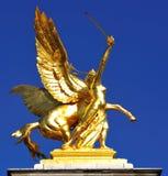 古铜色法国金黄叶子巴黎雕象 免版税库存照片