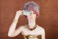 古铜色芯片组未来派金黄技术妇女 免版税库存图片