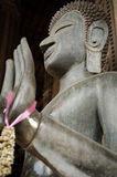 古铜色菩萨雕象在山楂Phra Kaew前面被奉祀在万象,老挝 免版税图库摄影