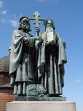 古铜色西里尔methodius圣徒雕象 免版税库存照片