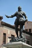 古铜色雕象唐阿尔瓦斯de巴赞,著名海军上将, Plaza de la Villa,马德里西班牙 在住处de西内罗,被创造的i前面的雕象 免版税库存图片