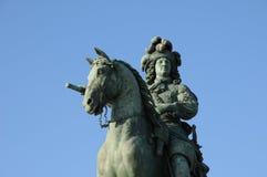 古铜色雕象路易斯14 库存图片