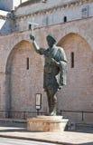 古铜色雕象 巴列塔 普利亚 意大利 免版税库存图片