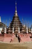 古铜色stupa,泰国 库存图片