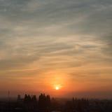 古镇的太阳上升 库存图片
