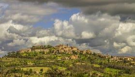 古镇 蒙特普齐亚诺田园诗托斯卡纳风景 顶面吸引力在意大利 著名旅行目的地 免版税库存图片