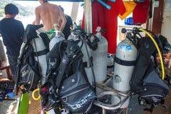 古巴在小船的潜水用具 免版税库存照片