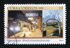 古巴-大约2008年:在古巴打印的岗位邮票,展示巴黎地铁, Trenes Subterraneos,大约2008年 免版税库存图片