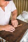 古巴雪茄制造业 库存图片